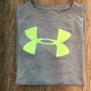 Under Armour boys t shirt